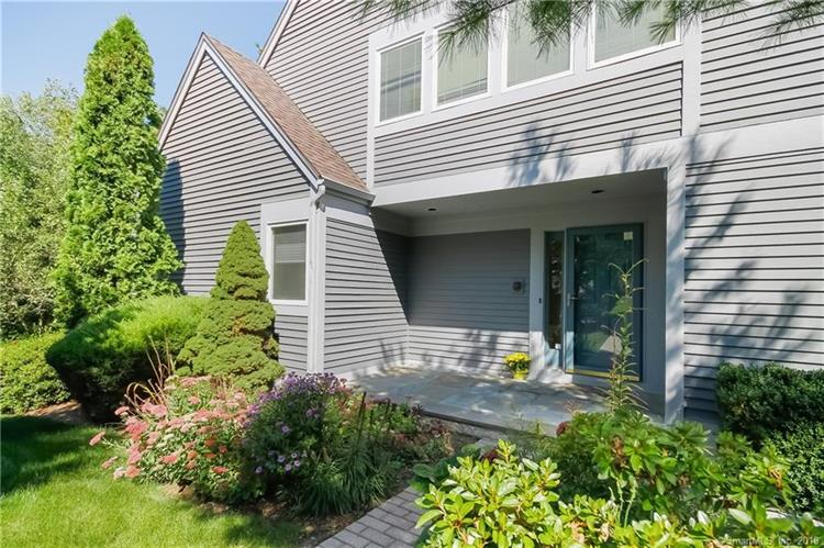 230 New Canaan Avenue, Norwalk, CT 06850