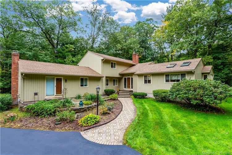 27 High Wood Road, Bloomfield, CT 06002 - Image 1