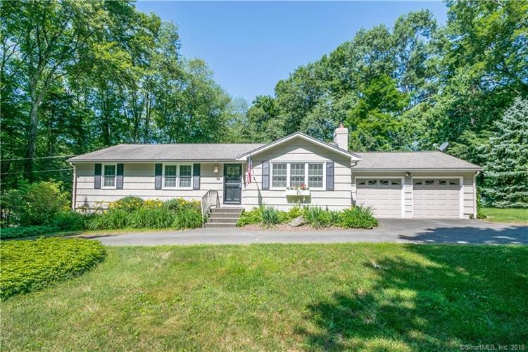 11 Skidmore Lane, Sandy Hook, CT 06482
