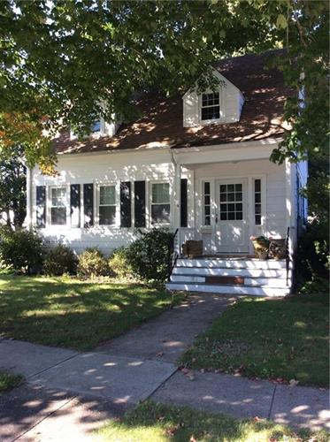 39 Dudley Avenue, Old Saybrook, CT 06475
