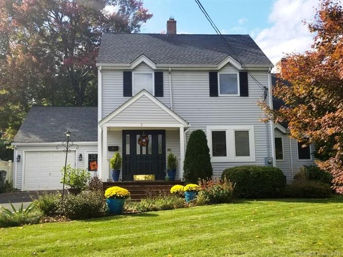 9 Sunny Crest Drive, Rocky Hill, CT 06067
