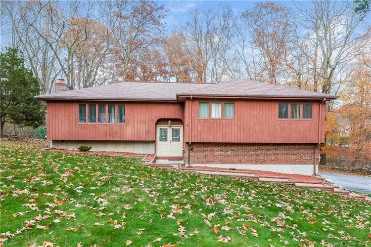 56 Pinewood Lane, Shelton, CT 06484