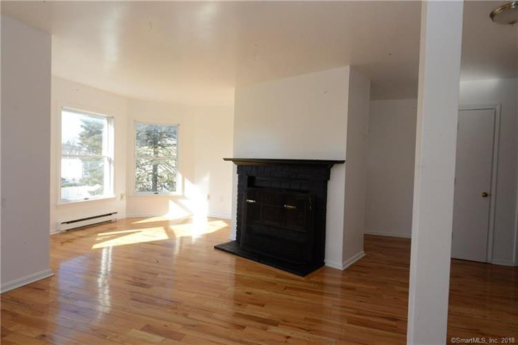 42 Tilley Street, New London, CT 06320 - Image 1