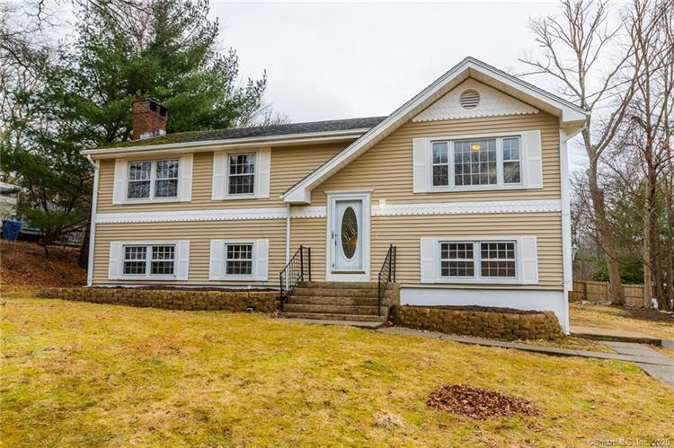 12 Bayberry Lane, Montville, CT 06382 - Image 1