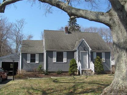 32 Maple Avenue, Clinton, CT
