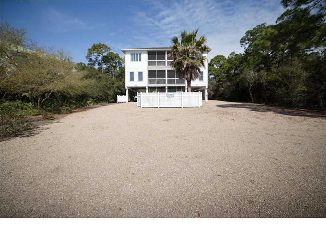 649 WEST PINE AVE, ST. GEORGE ISLAND, FL 32328