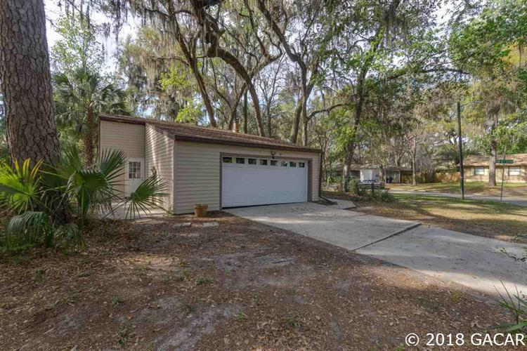 1111 SW 19th Place, Gainesville, FL 32601