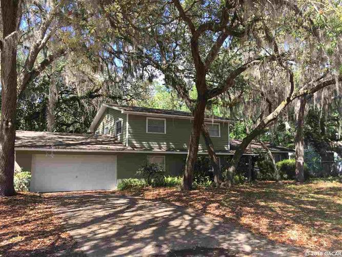 3942 SW 6th Place, Gainesville, FL 32607