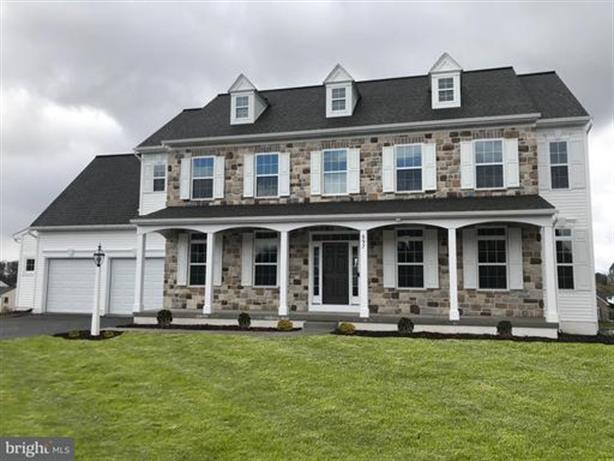 697 CHRISTIANS DRIVE, Harrisburg, PA 17112 - Image 1