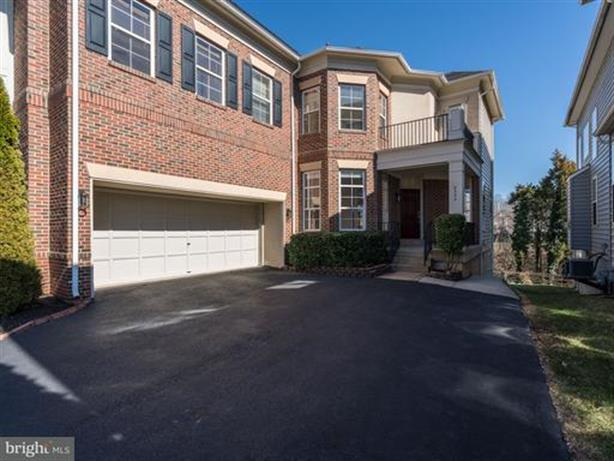 8335 TILLETT LOOP, Manassas, VA 20110