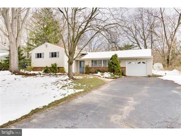 5 LYNNFIELD DRIVE, East Windsor, NJ 08520