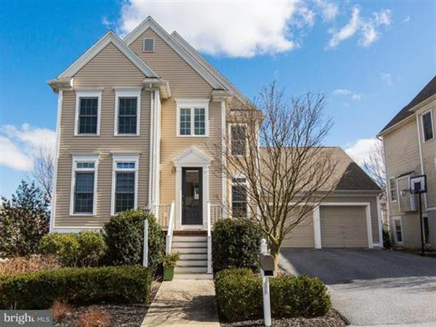 1 CRICKET GREEN, Lancaster, PA 17602
