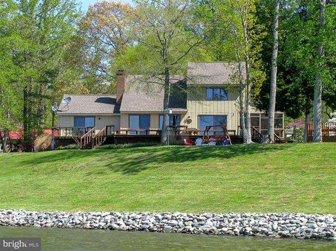 212 FERRY POINT ROAD, Burgess, VA 22432