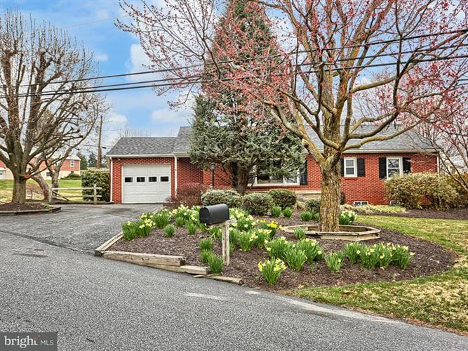 709 HAMPTON COURT ROAD, Harrisburg, PA 17112