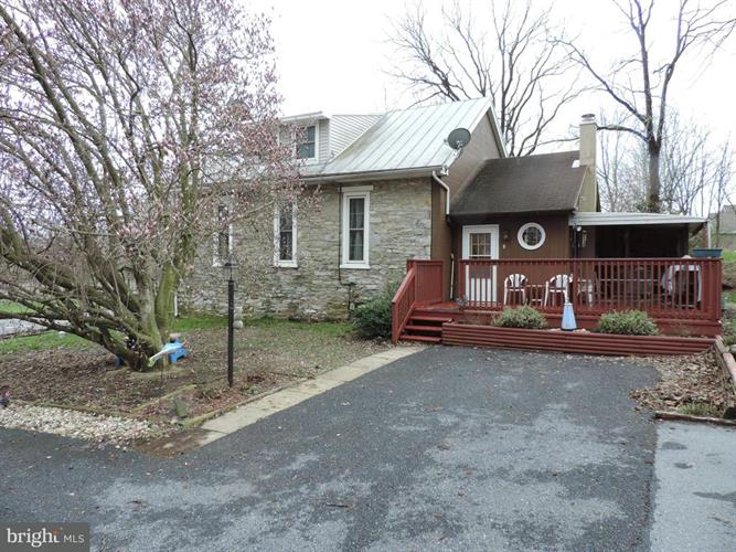 2135 COLEBROOK ROAD, Lebanon, PA 17042