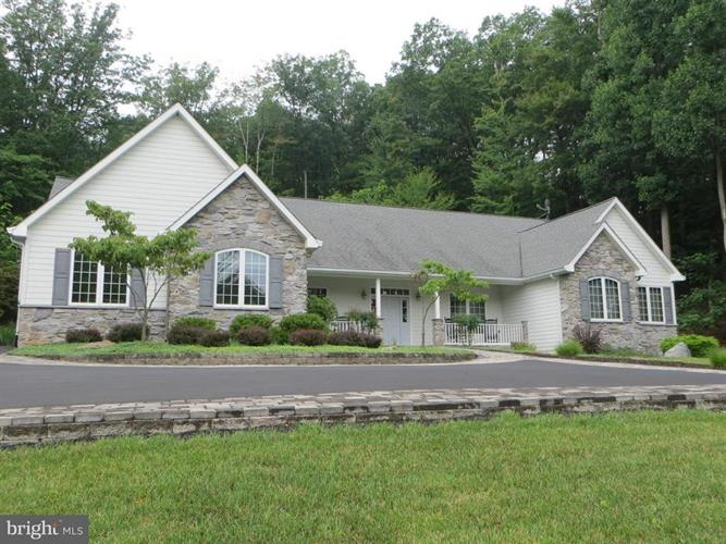 1811 WINTERCAMP TRAIL, Hedgesville, WV 25427 - Image 1