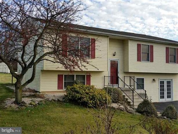 12 WINTER DRIVE, Dillsburg, PA 17019