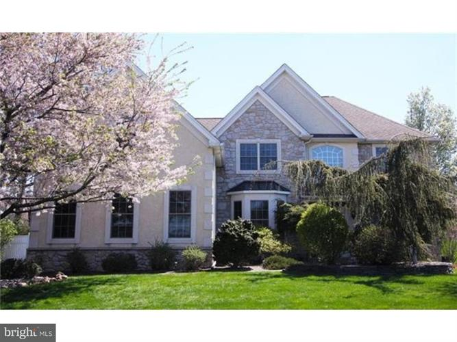 4925 E VALLEY ROAD, Center Valley, PA 18034