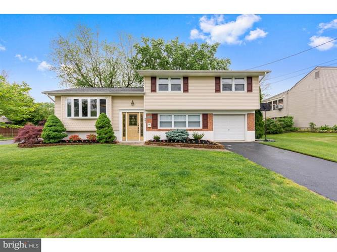 301 FAIRMOUNT AVENUE, Gloucester Twp, NJ 08012