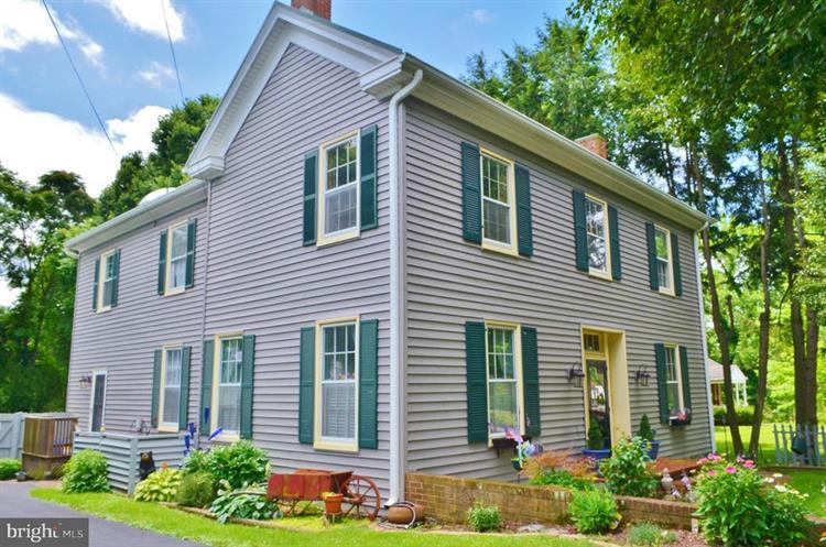 207 CHURCH STREET, Woodstock VA 22664 For Sale, MLS # 1001956386,  Weichert com