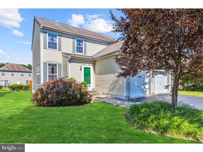 19 FOUNTAYNE LANE, Lawrence Township, NJ 08648