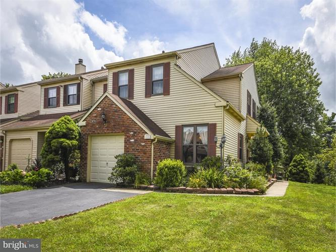 239 PARKVIEW WAY, Newtown, PA 18940