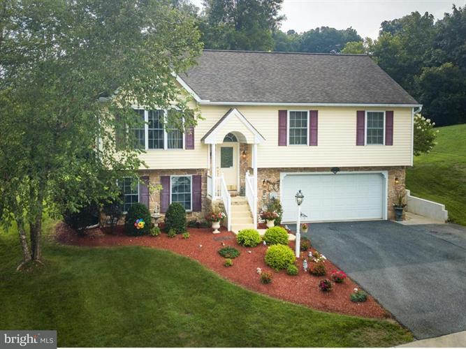 401 RABBIT HILL LANE, Lancaster, PA 17603