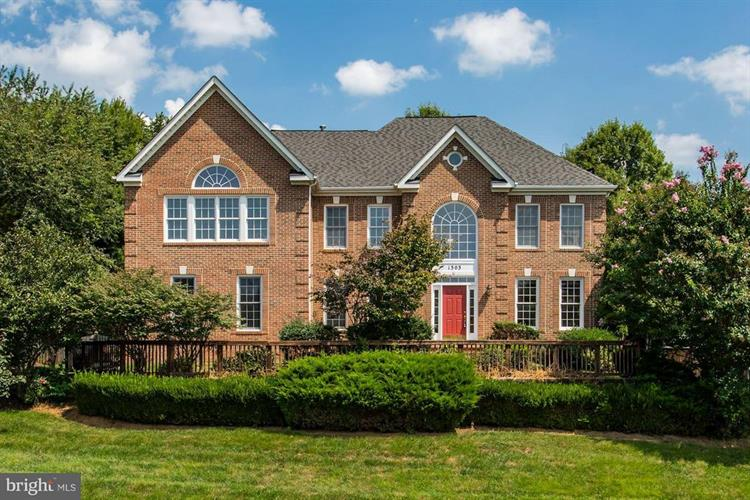 1303 CHAMBERLAIN WOODS WAY, Vienna, VA 22182
