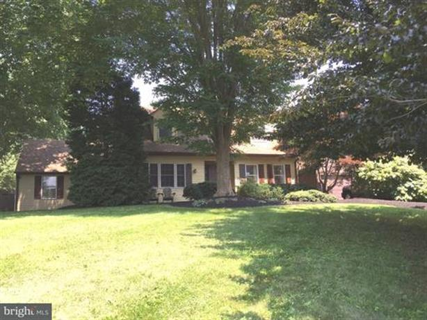21 HILLSIDE LANE, Yardley, PA 19067