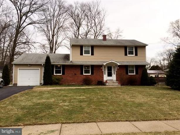10 GREAT WOODS DRIVE, Ewing, NJ 08618