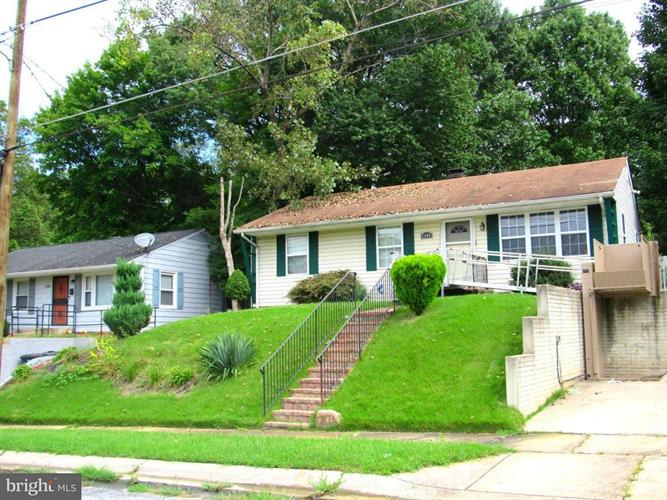2406 LAKEHURST AVENUE, District Heights, MD 20747