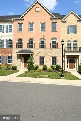 25140 EARLSDON TERRACE, Chantilly, VA 20152 - Image 1