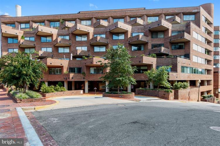1015 33RD STREET NW, Washington, DC 20007 - Image 1