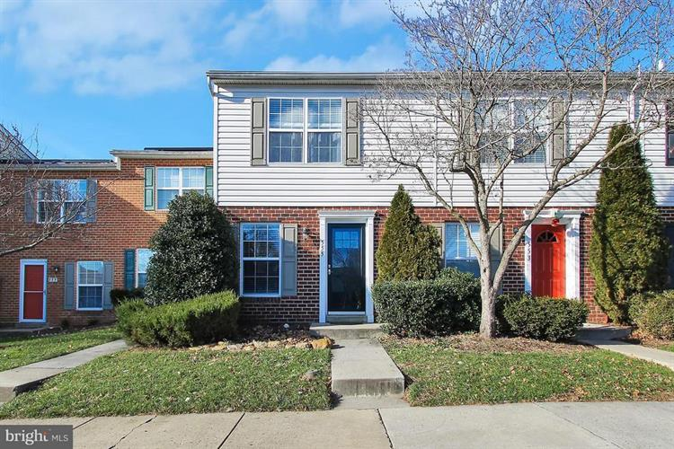 555 COTSWOLD COURT, Frederick, MD 21703 - Image 1