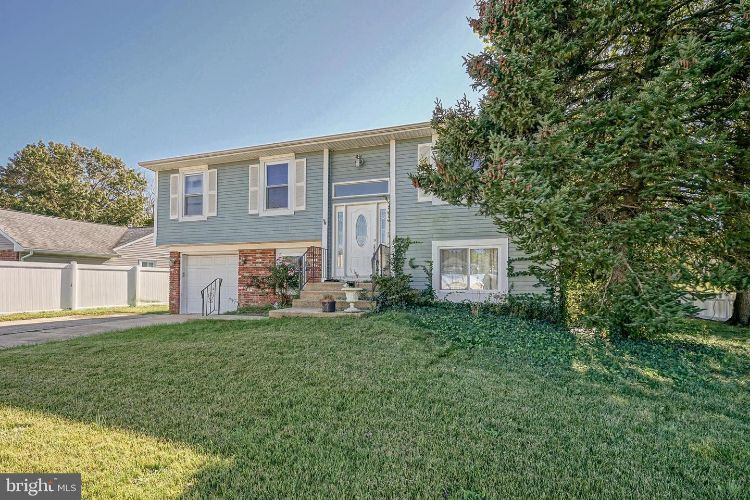 50 AVERY DRIVE, Williamstown, NJ 08094 - Image 1