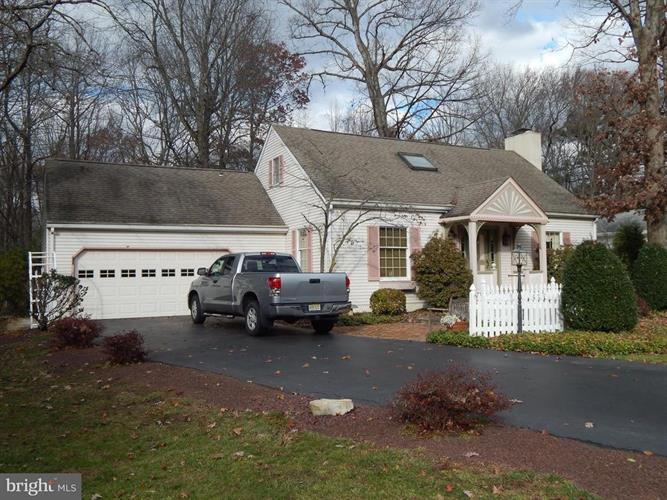 7 ARROWWOOD DRIVE, Hamilton, NJ 08609 - Image 1