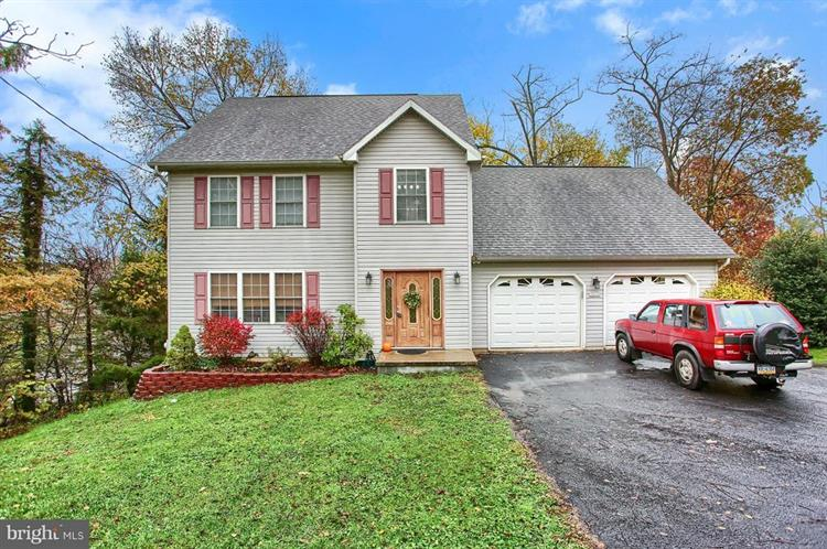 5033 TURTLE LANE, Mechanicsburg, PA 17050