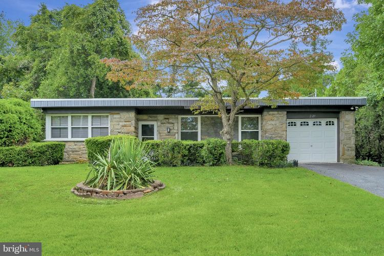 2129 MACLARIE LANE, Broomall, PA 19008 - Image 1