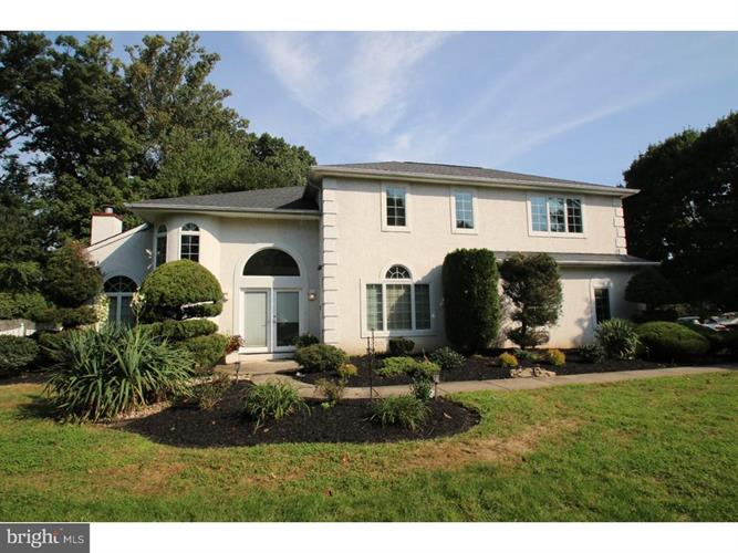 2004 SHADYWOOD CIRCLE, Huntingdon Valley, PA 19006