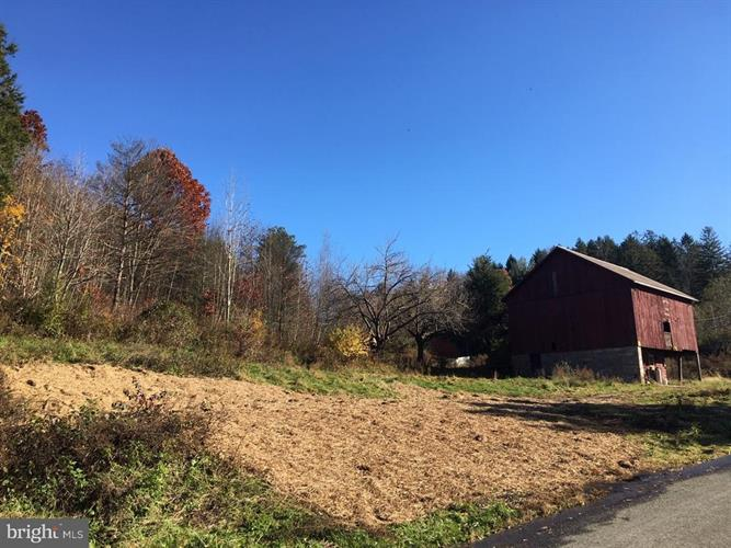 107 LUMBER LANE, New Ringgold, PA 17960