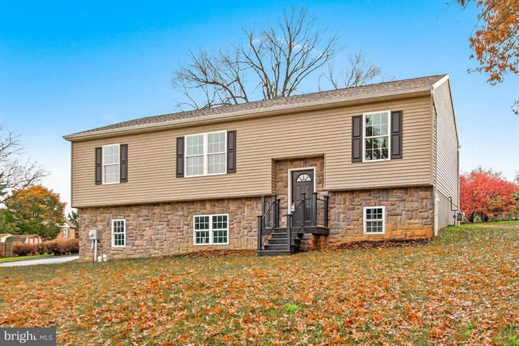 560 LINDBERG, Red Lion, PA 17356