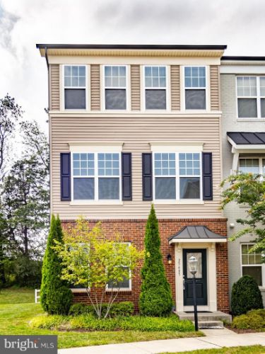 25485 FELTRE TERRACE, Chantilly, VA 20152 - Image 1