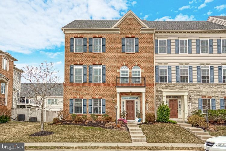 24955 EARLSFORD DRIVE, Chantilly, VA 20152 - Image 1