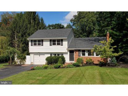 68 PERRY DRIVE Ewing, NJ MLS# NJME301820