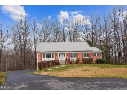 1701 HUNTS END COURT Vienna, VA MLS# VAFX1174422