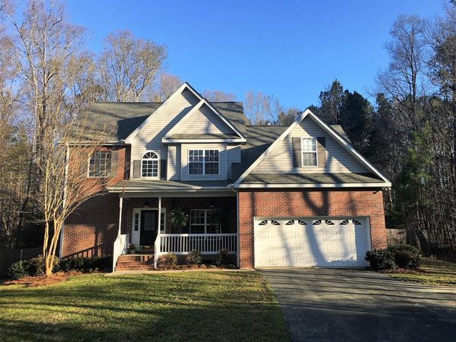 208 Wentworth, Greenwood, SC 29649