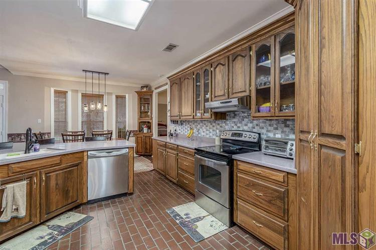 5999 WICKER RIDGE CT, Slaughter, LA 70777 - Image 1
