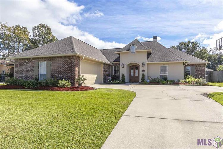 18324 OAK LANE AVE, Baton Rouge, LA 70816 - Image 1