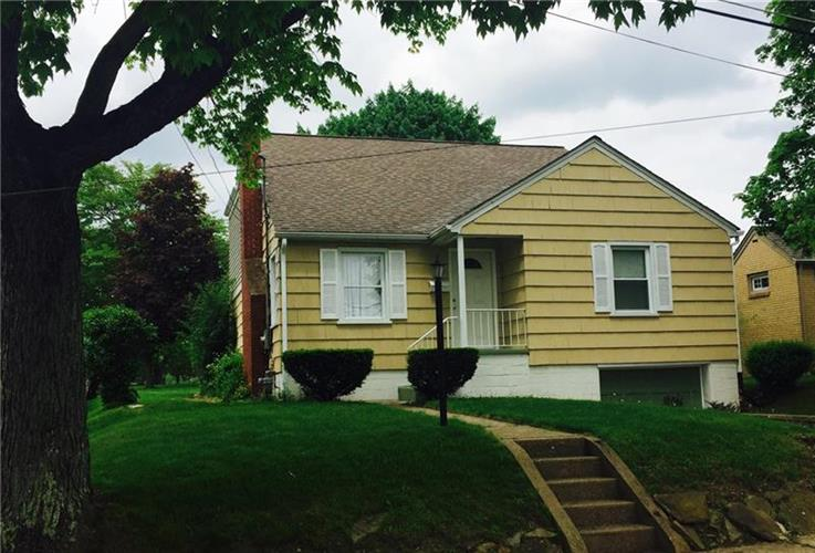 2004 State St, Natrona Heights, PA 15065