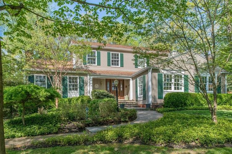 135 Witherow Rd, Sewickley, PA 15143